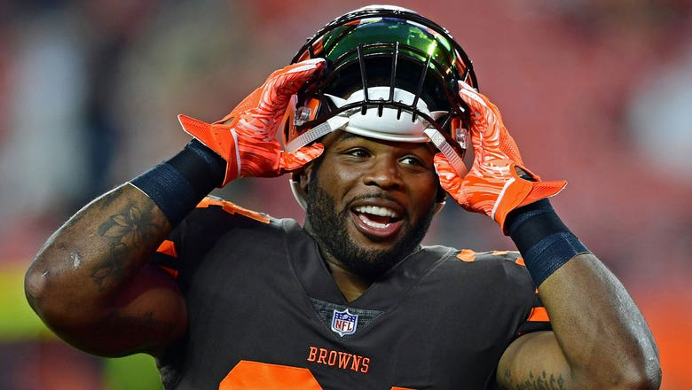 Jaguars trade 5th-round draft pick for Browns RB Carlos Hyde