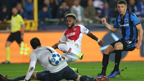 <p>               Monaco's Moussa Sylla, center, scores past Brugge goalkeeper Karlo Letica, left, during a Champions League Group A soccer match between Club Brugge and Monaco at the Jan Breydel Stadium in Bruges, Belgium, Wednesday, Oct. 24, 2018. (AP Photo/Francisco Seco)             </p>