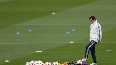 <p>               Real Madrid's interim coach Santiago Solari takes part in a training session at the team's Valdebebas training ground in Madrid, Spain, Tuesday, Oct. 30, 2018. Julen Lopetegui was finally fired by Real Madrid on Monday. Santiago Solari, coach of Real Madrid B, will take charge for the Copa del Rey match against third-division club Melilla on Wednesday.  (AP Photo/Manu Fernandez)             </p>