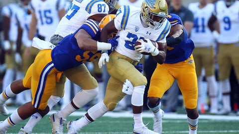 <p>               UCLA's Joshua Kelley (27) rushes against California during the first half of an NCAA college football game Saturday, Oct. 13, 2018, in Berkeley, Calif. (AP Photo/Ben Margot)             </p>