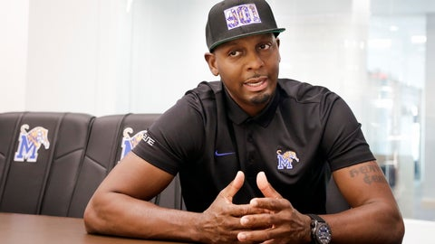 <p>               FILE - In this June 8, 2018, file photo, Memphis basketball coach Penny Hardaway talks about his new job in the school's basketball offices in Memphis, Tenn. Memphis hired Hardaway last spring after letting Tubby Smith go after community interest and fans dwindled at Tigers' games. Memphis is hoping its favorite son can pick up the pieces. (AP Photo/Mark Humphrey, File)             </p>