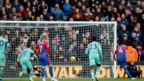 <p>               Crystal Palace's Luka Milivojevic, right, scores his side's second goal of the game from the penalty spot during the English Premier League soccer match between Crystal Palace and Arsenal at Selhurst Park, London, Sunday, Oct. 28, 2018. (AP Photo/Frank Augstein)             </p>