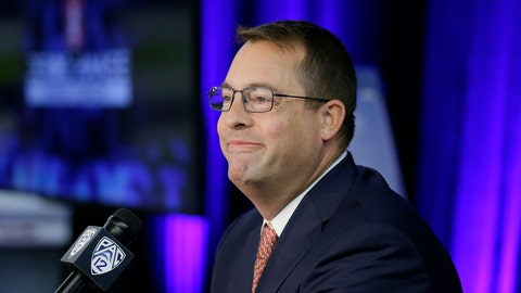<p>               Stanford head coach Jerod Haase smiles at reporters during the Pac-12 NCAA college basketball media day Thursday, Oct. 11, 2018, in San Francisco. (AP Photo/Eric Risberg)             </p>