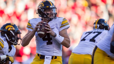 <p>               FILE - In this Nov. 24, 2017, file photo, Iowa quarterback Nate Stanley (4) drops back to pass against Nebraska during the first half of an NCAA college football game, in Lincoln, Neb.  Iowa (3-1, 0-1 Big Ten) has won nine straight when scoring 20 or more points, and the combo of QB Nate Stanley and TE Noah Fant will be a big chore for Minnesota's defense.(AP Photo/John Peterson, File)             </p>