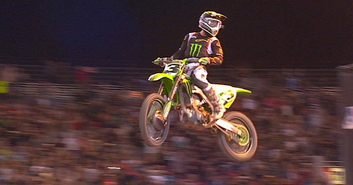 Eli Tomac dominates the second main event I MONSTER ENERGY CUP