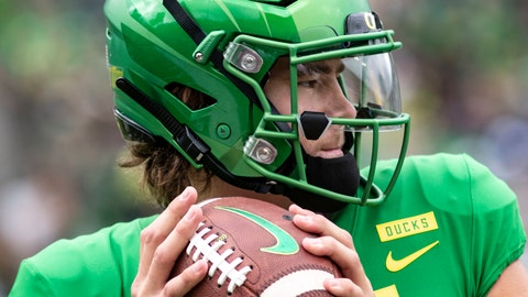 <p>               FILE - In this Saturday, Sept. 8, 2018, file photo, Oregon quarterback Justin Herbert went 20-of-26 with 250 yards, four touchdowns and no picks in their 62-14 win against Portland State during an NCAA college football game in Eugene, Ore. The front-runners have clearly been established in the Heisman race, but the question now is who else can emerge with a late rush? (AP Photo/Thomas Boyd, file)             </p>