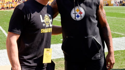 <p>               FILE - In this Sunday, Oct. 7, 2018, file photo, Pittsburgh Steelers injured linebacker Ryan Shazier, right, poses with Pittsburgh Penguins NhL hockey player Sidney Crosby before an NFL football game against the Atlanta Falcons in Pittsburgh.  Shazier will be back in Cincinnati on Sunday, but in an entirely new role for the Pittsburgh Steelers. Ten months after sustaining a spinal injury that threatened his career, the linebacker is thriving as a de facto coach. (AP Photo/Don Wright, File)             </p>