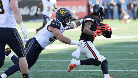 <p>               Oregon State wide receiver Trevon Bradford slips a tackle from California's Jordan Kunaszyk during the first half of an NCAA college football game in Corvallis, Ore., Saturday, Oct. 20, 2018. (AP Photo/Amanda Loman)             </p>
