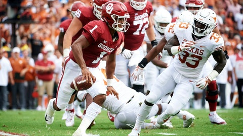 <p>               Oklahoma quarterback Kyler Murray (1) scrambles against Texas during the first half of an NCAA college football game at the Cotton Bowl, Saturday, Oct. 6, 2018, in Dallas. (AP Photo/Cooper Neill)             </p>