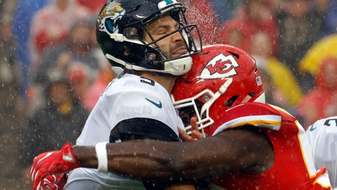 <p>               Jacksonville Jaguars quarterback Blake Bortles, left, is hit by Kansas City Chiefs linebacker Justin Houston, right, after throwing a pass during the first half of an NFL football game in Kansas City, Mo., Sunday, Oct. 7, 2018. (AP Photo/Charlie Riedel)             </p>