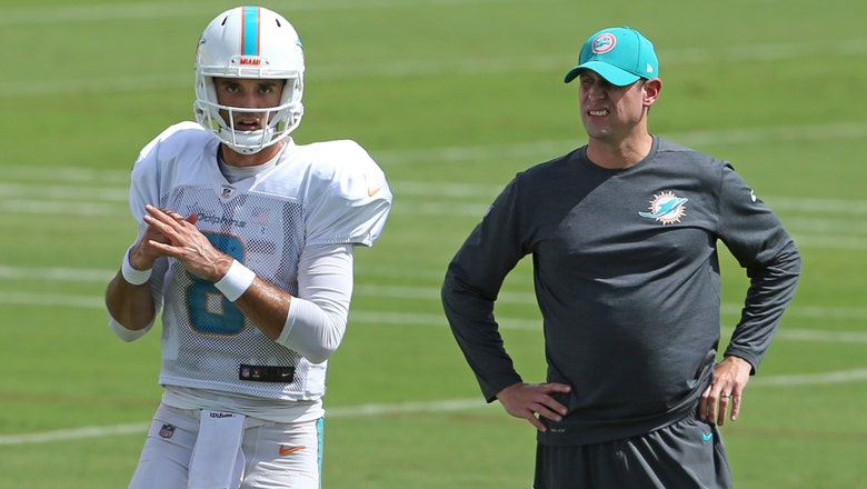 Dolphins' Ryan Tannehill not throwing at start of practice