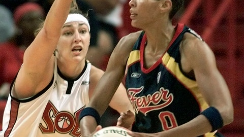 <p>               FILE - In this June 30, 2002, file photo, Indiana Fever center Olympia Scott-Richardson (0) looks for an open teammate as Miami Sol center Ruth Riley (7) defends in the first half in Miami. Riley Hunter's WNBA career started in Miami, and so will her NBA career. She will debut in her new role as a radio and television analyst for the Miami Heat on Monday, Oct. 8, 2018, when the team begins the home portion of its preseason schedule against Orlando. (AP Photo/Wilfredo Lee, File)             </p>