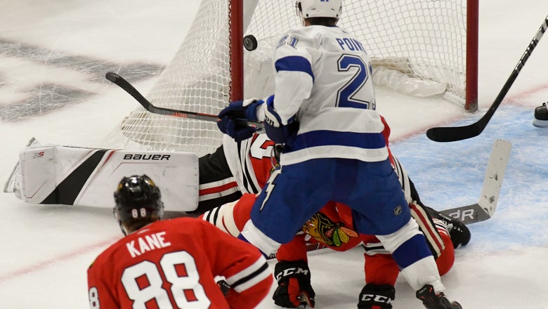 Lightning have 33-shot 2nd period, rout Blackhawks