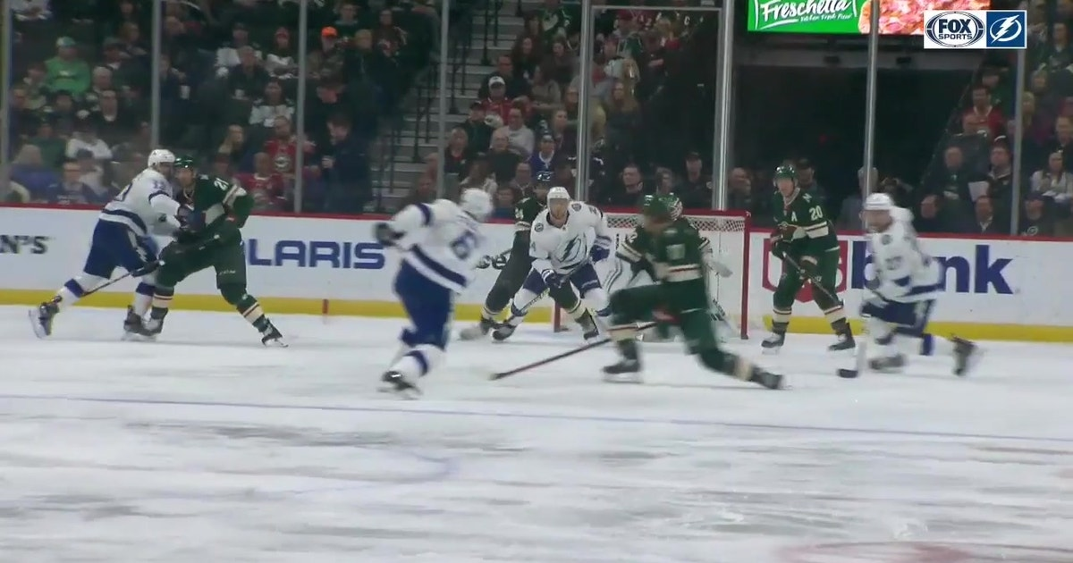 WATCH: Net-front presence pays off for Lightning's Ryan Callahan