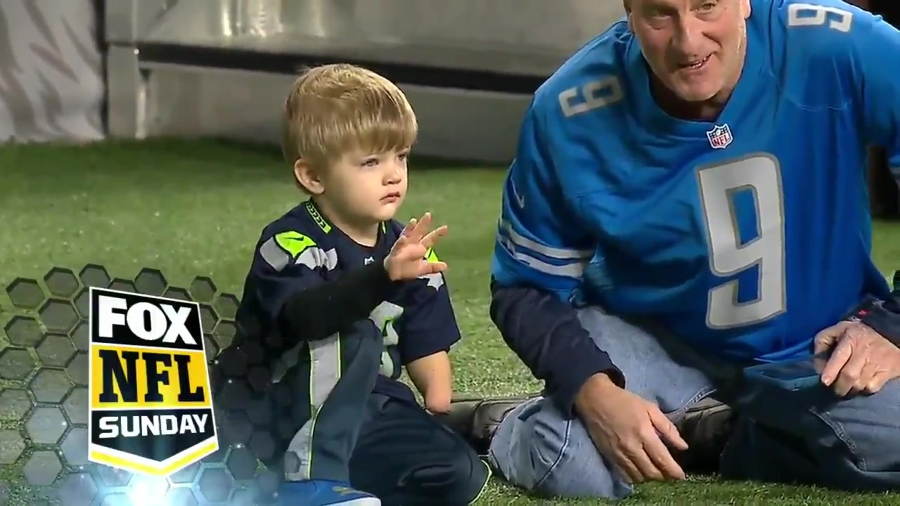 best service 30658 a5ed9 Shaquem Griffin shared a special moment with a young fan before the  Seahawks game