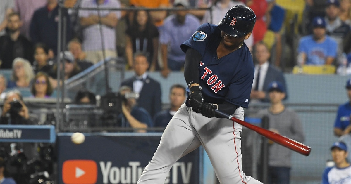 Rafael Devers sends it back up the middle to give Red Sox 5-4 lead in Game 4