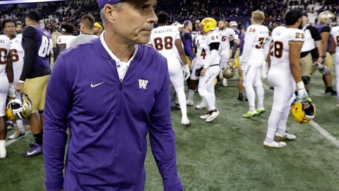 <p>               FILE - In this Saturday, Sept. 22, 2018, file photo, Washington head coach Chris Petersen walks off the field following an NCAA college football game against Arizona State in Seattle. If the Pac-12 wants to maximize its already damaged hopes of playing for a national championship No. 7 Washington needs to beat No. 17 Oregon on Saturday.  (AP Photo/Ted S. Warren, File)             </p>