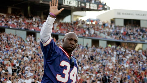<p>               FILE - In this Sunday Sept. 20, 2009, file photo, former Buffalo Bills running back Thurman Thomas (34) waves during the halftime show at the NFL football game against the Tampa Bay Buccaneers in Orchard Park, N.Y. Thomas reflects back on his Hall of Fame career as the Buffalo Bills prepare to retire the running back's No. 34 during halftime of their home game against the New England Patriots on Monday, Oct. 29, 2018. (AP Photo/ Dean Duprey, File)             </p>