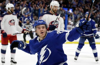 Lightning find offense in 8-2 rout of Blue Jackets