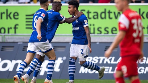 <p>               From left, Schalke`s Suat Serdar, Hamza Mendyl and scorer Weston McKennie celebrate the opening goal during a German Bundesliga soccer match between Fortuna Duesseldorf and FC Schalke 04 in Duesseldorf, Germany, Saturday, Oct. 6, 2018.(Marius Becker/dpa via AP)             </p>
