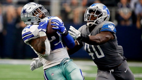 <p>               Dallas Cowboys running back Ezekiel Elliott (21) catches a pass in front of Detroit Lions linebacker Jarrad Davis (40) in the second half of an NFL football game in Arlington, Texas, Sunday, Sept. 30, 2018. (AP Photo/Ron Jenkins)             </p>