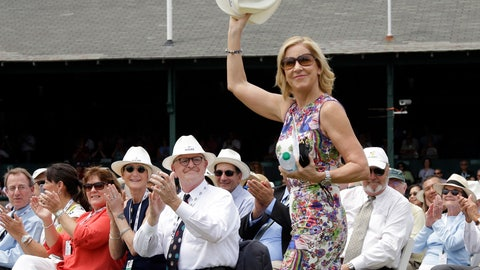<p>               FILE - In this July 22, 2017, file photo, Tennis Hall of Famer Chris Evert waves to applause as she arrives at the International Tennis Hall of Fame in Newport, R.I. The Women's Tennis Association has dedicated its trophy for the top-ranked player of the year in honor of Chris Evert. (AP Photo/Elise Amendola, File)             </p>