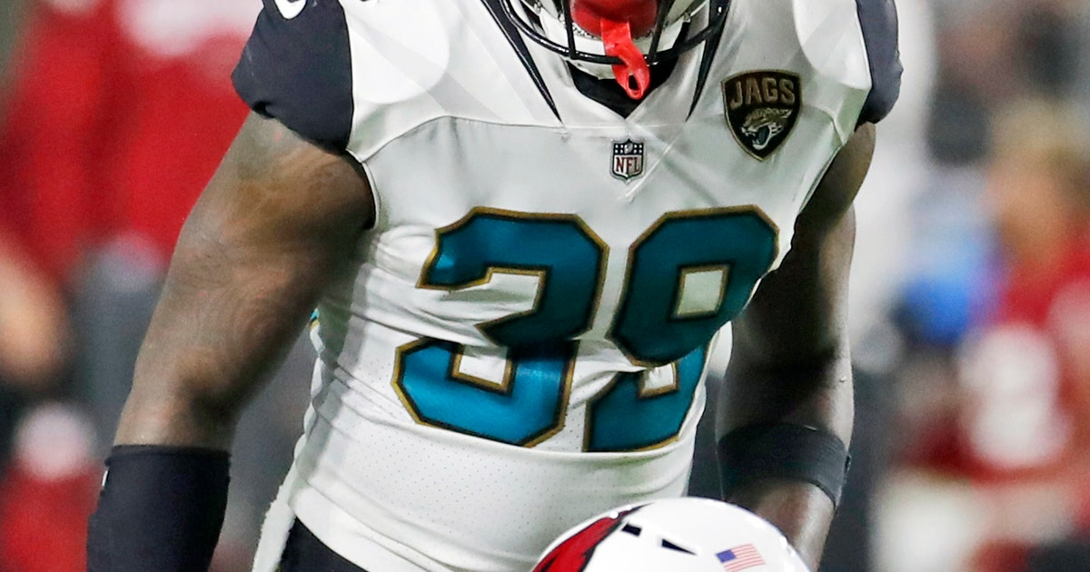 Jaguars' Gipson hopes to pick off Mahomes, add to collection