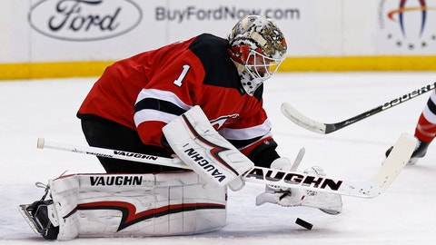 <p>               New Jersey Devils goaltender Keith Kinkaid (1) makes a save against the Dallas Stars in the first period of an NHL hockey game Tuesday, Oct. 16, 2018, in Newark, N.J. (AP Photo/Adam Hunger)             </p>
