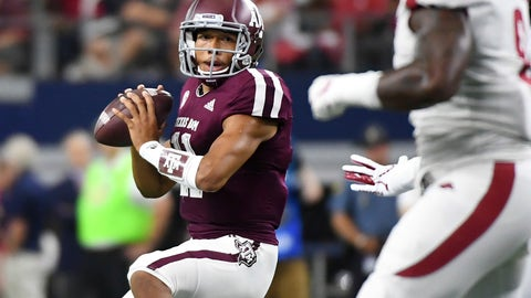 <p>               Texas A&M quarterback Kellen Mond (11) looks to pass against Arkansas during the first quarter of an NCAA college football game Saturday, Sept. 29, 2018, in Arlington, Texas. (AP Photo/Jeffrey McWhorter)             </p>