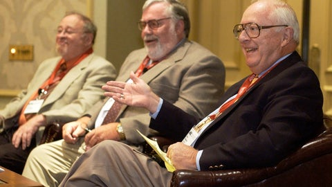 <p>               FILE - In this June 24, 2004, file photo, Dave Anderson, New York Times sports columnist, right, gestures while on a panel discussion with, from left, Jerry Izenberg, Newark Star-Ledger sports columnist, and Bill Conlin, Philadelphia Daily News sports columnist, while honoring the late Jimmy Cannon, New York Journal-American sports columnist, with the Red Smith Award during the Associated Press Sports Editors convention in Philadelphia. Anderson, a Pulitzer Prize-winning sports columnist, died Thursday, Oct. 4, 2018, at an assisted living facility in Cresskill, N.J., The New York Times said. He was 89. (AP Photo/Mike Mergen, FIle)             </p>