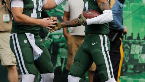 <p>               New York Jets quarterback Sam Darnold (14) celebrates with Robby Anderson (11) after they connect for a touchdown during the first half of an NFL football game Sunday, Oct. 7, 2018, in East Rutherford, N.J. (AP Photo/Seth Wenig)             </p>
