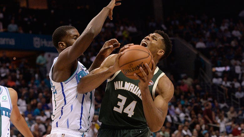 Hornets LIVE To Go: Kemba Walker drops 41 in last-second loss to Bucks