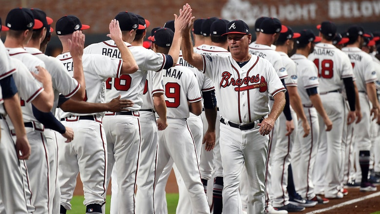 Braves agree to terms on 2-year extension with manager Brian Snitker