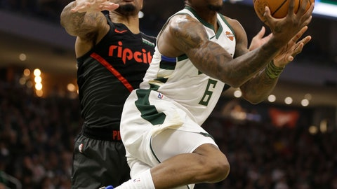<p>               Milwaukee Bucks' Eric Bledsoe drives against the Portland Trail Blazers during the first half of an NBA basketball game Wednesday, Nov. 21, 2018, in Milwaukee. (AP Photo/Jeffrey Phelps)             </p>