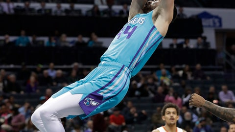 <p>               Charlotte Hornets' Frank Kaminsky dunks against the Atlanta Hawks during the first half of an NBA basketball game in Charlotte, N.C., Wednesday, Nov. 28, 2018. (AP Photo/Chuck Burton)             </p>