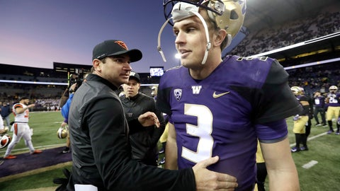 <p>               Oregon State head coach Jonathan Smith, left, greets Washington quarterback Jake Browning after an NCAA college football game Saturday, Nov. 17, 2018, in Seattle. (AP Photo/Elaine Thompson)             </p>
