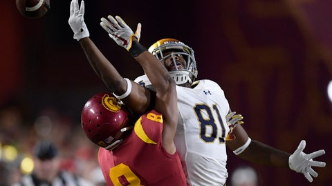 <p>               Notre Dame wide receiver Miles Boykin, right, can't reach a pass intended for him while under pressure from Southern California cornerback Iman Marshall during the first half of an NCAA college football game Saturday, Nov. 24, 2018, in Los Angeles. (AP Photo/Mark J. Terrill)             </p>