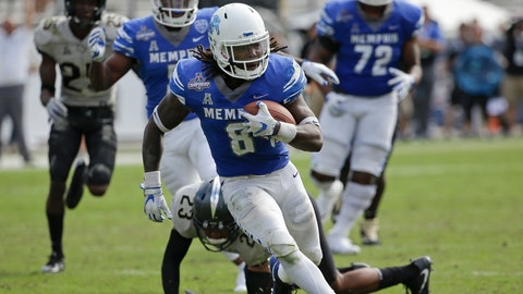 <p>               FILE - In this Dec. 2, 2017, file photo, Memphis running back Darrell Henderson, front, runs past Central Florida defensive back Tre Neal (23) for a 30-yard touchdown during the first half of the American Athletic Conference championship NCAA college football game in Orlando, Fla. Memphis carries a four-game winning streak into Saturday's American Athletic Conference championship game against No. 7 Central Florida. (AP Photo/John Raoux, File)             </p>