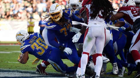 <p>               Los Angeles Chargers running back Austin Ekeler (30) runs in for a touchdown against the Arizona Cardinals during the second half of an NFL football game Sunday, Nov. 25, 2018, in Carson, Calif. (AP Photo/Kelvin Kuo)             </p>