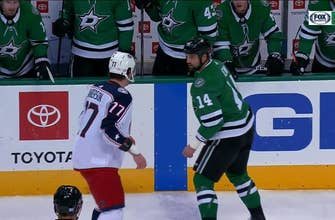 WATCH: Jamie Benn drops the gloves with Josh Anderson