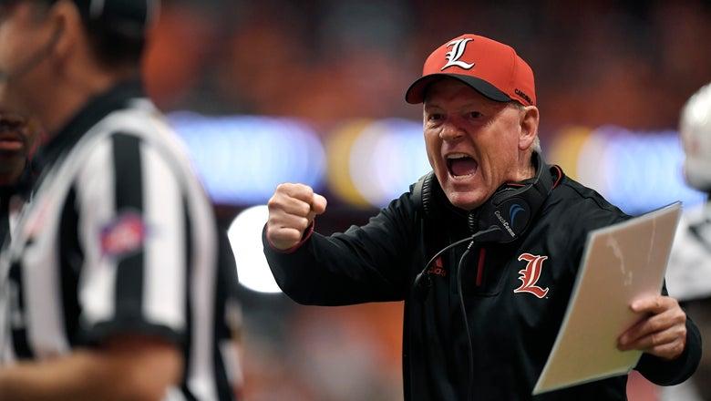 Louisville fires head coach Bobby Petrino with team 2-8