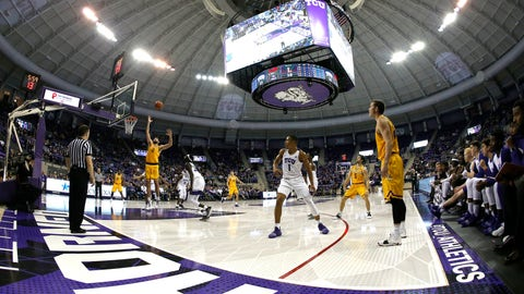 <p>               Lipscomb forward Rob Marberry (0) takes a pass inside as TCU guard Desmond Bane (1) and Lipscomb guard Garrison Mathews, right, look on during the first half of an NCAA college basketball game, Tuesday, Nov. 20, 2018, in Fort Worth, Texas. (AP Photo/Ron Jenkins)             </p>