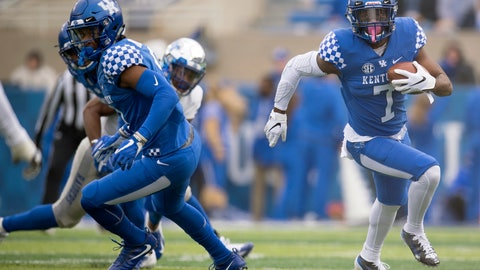 <p>               Kentucky safety Mike Edwards (7) runs with the ball during the first half of an NCAA college football game against Middle Tennessee in Lexington, Ky., Saturday, Nov. 17, 2018. (AP Photo/Bryan Woolston)             </p>