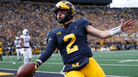 <p>               Michigan quarterback Shea Patterson celebrates his one-yard touchdown run in the first half of an NCAA college football game against the Penn State in Ann Arbor, Mich., Saturday, Nov. 3, 2018. (AP Photo/Paul Sancya)             </p>