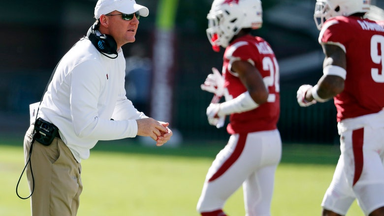 Arkansas suspends DBs for socializing with MSU spirit squad