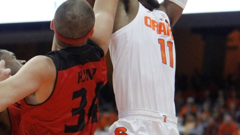 <p>               Syracuse's Oshae Brissett, right, shoots against Eastern Washington's Jesse Hunt, left, during the first half of an NCAA college basketball game in Syracuse, N.Y., Tuesday, Nov. 6, 2018. (AP Photo/Nick Lisi)             </p>