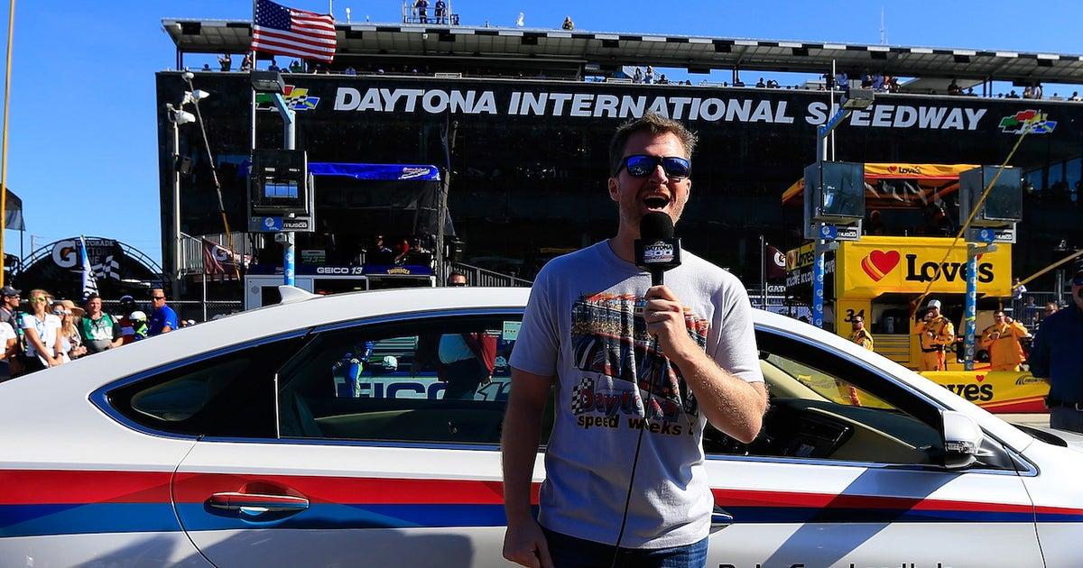Nascar Race Hub Fans Choice Awards Best Command Dale Earnhardt Jr At The Daytona 500 Fox Sports