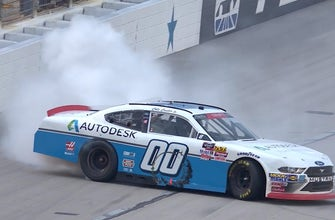 Cole Custer passes Tyler Reddick on the final lap to win at Texas | 2018 NASCAR XFINITY SERIES