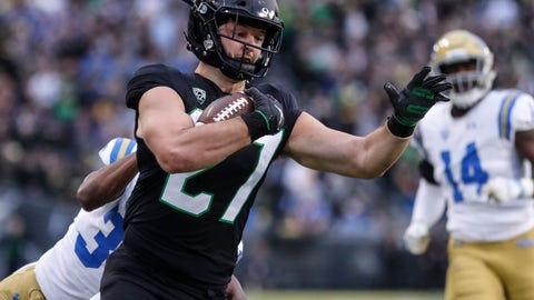 <p>               Oregon tight end Jacob Breeland (27), scores a touchdown on a fake field goal attempt against UCLA during an NCAA college football game in Eugene, Ore., Saturday, Nov. 3, 2018 (AP Photo/Thomas Boyd)             </p>
