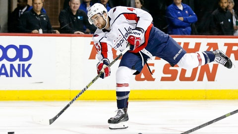 <p>               Washington Capitals right wing Tom Wilson (43) shoots and scores a goal against the New York Islanders in the first period of an NHL hockey game Monday, Nov. 26, 2018, in New York. (AP Photo/Adam Hunger)             </p>
